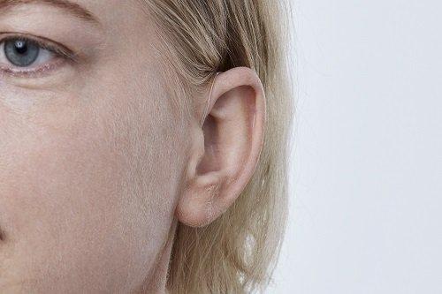 apparei-auditif-contour-oreille-discret