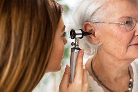 otoscopie-examen-des-oreilles
