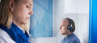 Online hörseltest hos Audika. Gör vårt hörseltest online och få en förståelse för din hörsel. Testa din hörsel online.