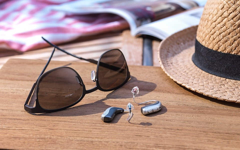 tempo-vn_still_beach_sunglasses_mnr_t_r_960x600