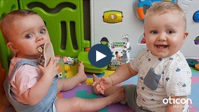 French-twins-Rose-Maël-born-deaf-Neuro2-cochlear-implants