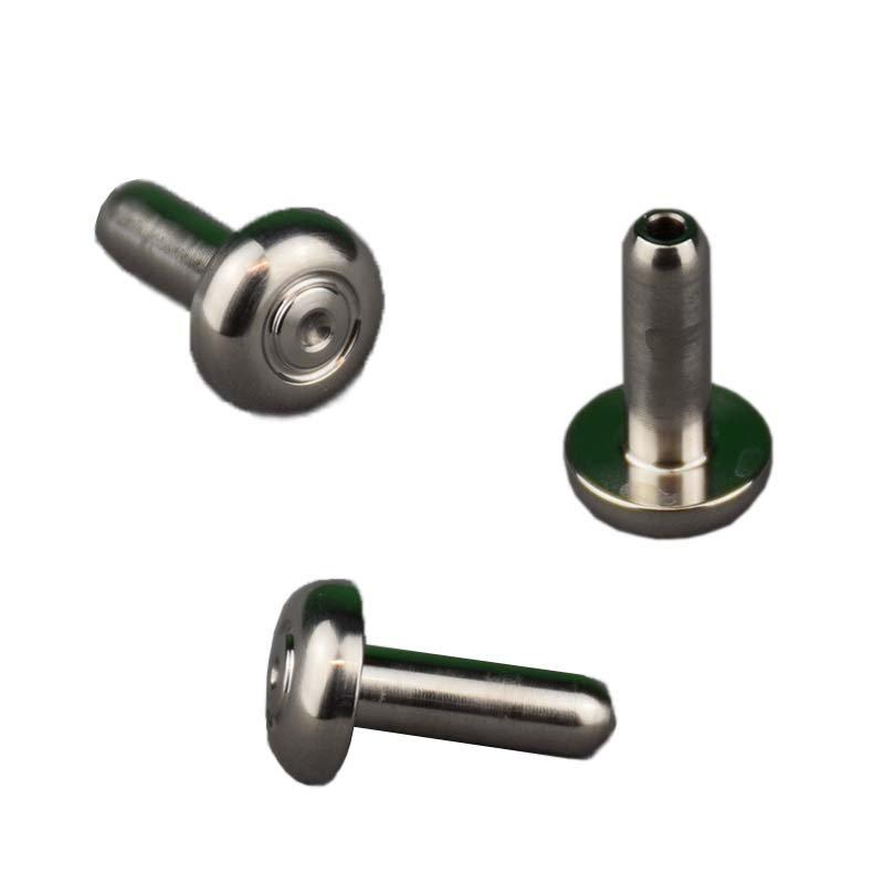 mb11-metall-pole