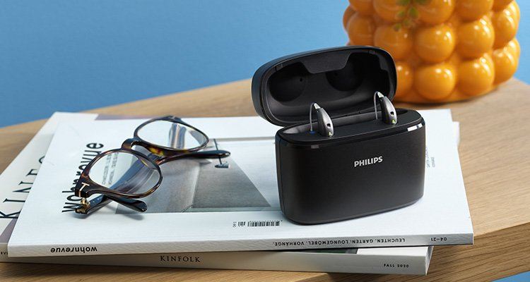Philips Hearing Solutions portable charger to charge your hearing aids anywhere