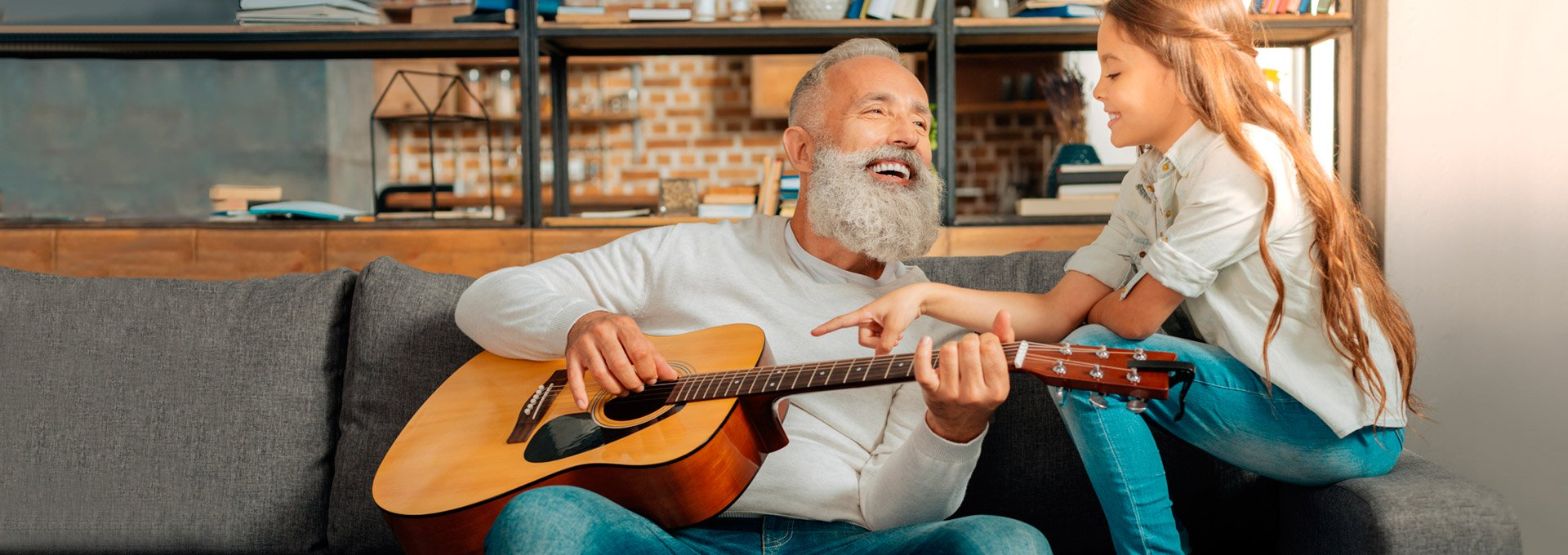 nonno-chitarra-introbanner