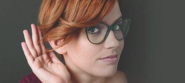 Masz problemy ze słuchem? Sprawdź przyczyny utraty słuchu.