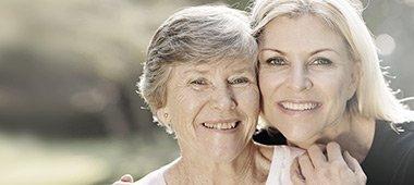 Jak możesz pomóc osobie bliskiej w walce z niedosłuchem?