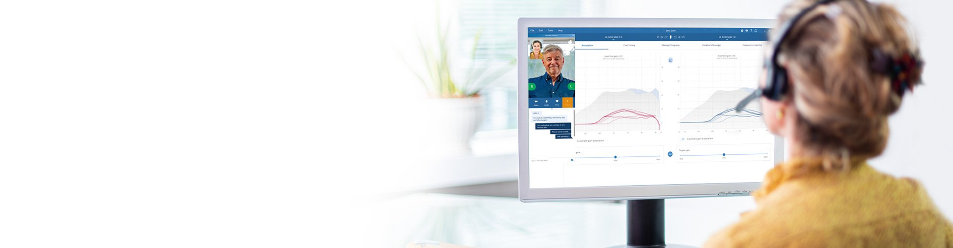 Hearing care professional in an online Remote Fitting session with a Philips HearLink user.