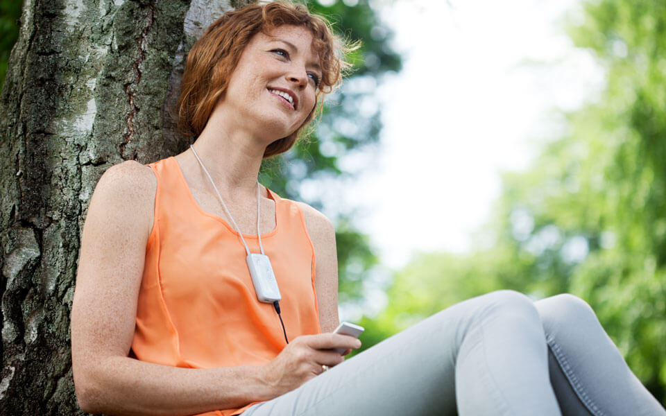 With the Oticon Medical Streamer, you get direct access to mobile phone calls, music and much more.