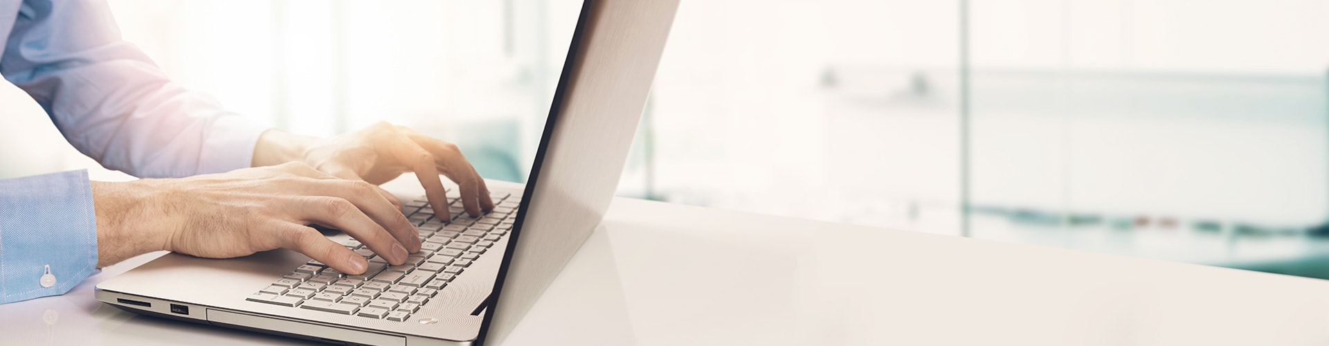 İşitme uzmanı, Philips HearLink işitme cihazlarıyla ilgili ürün bilgileri bulma.