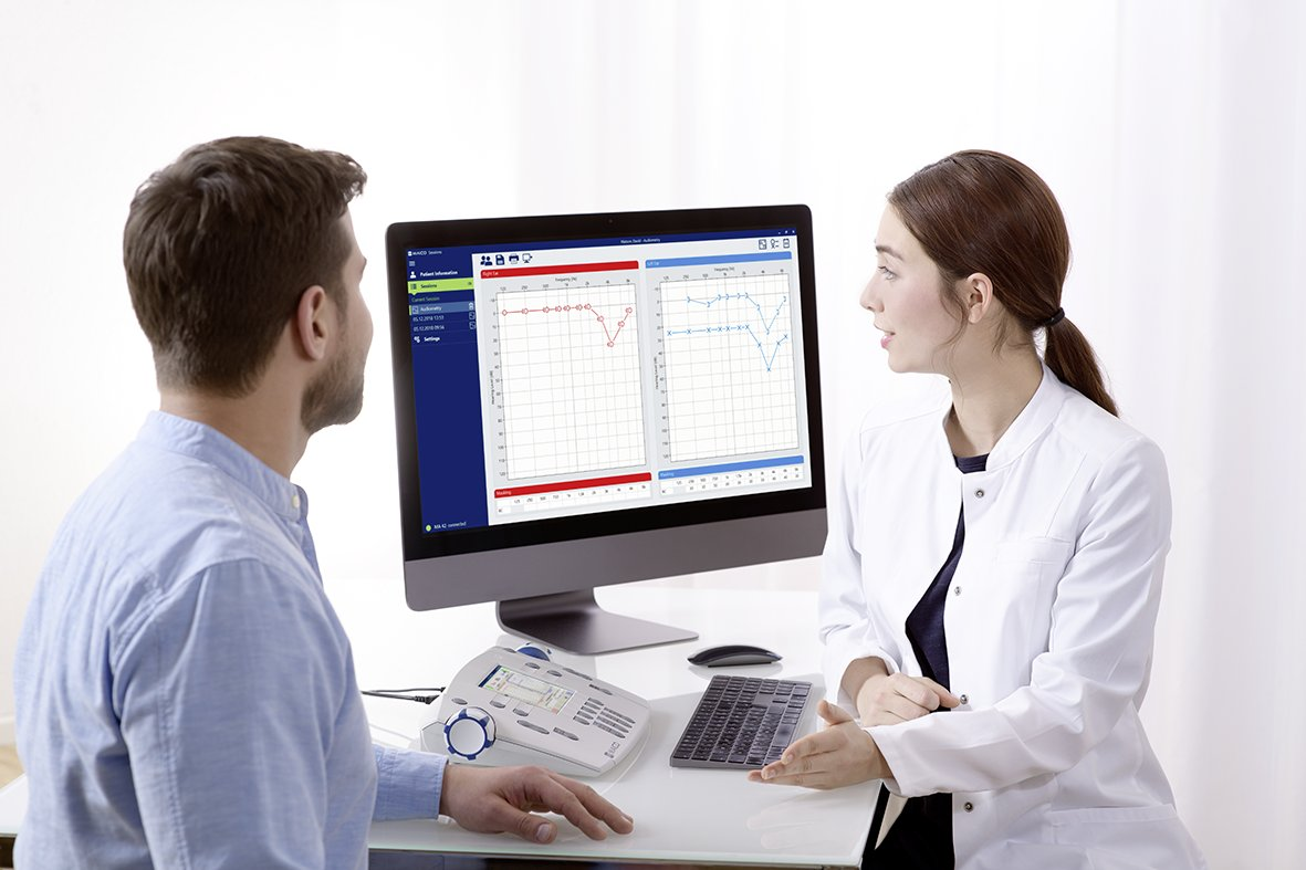MAICO MA 42 Two-Channel Diagnostic Audiometer Practiioner and Adult Patient